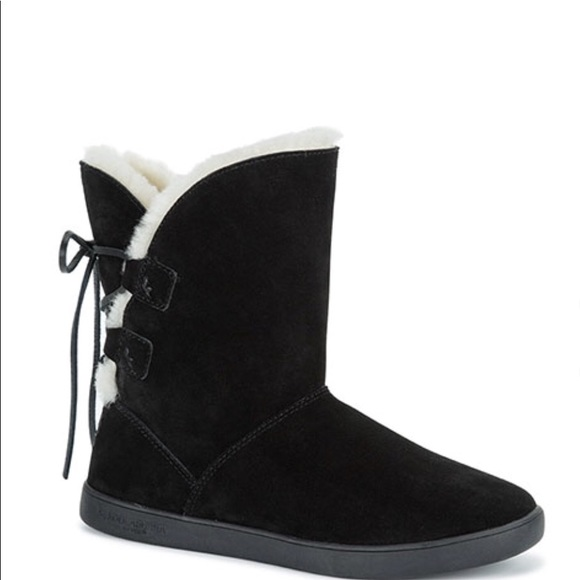 b195402d37a Kookaburra by Ugg ankle boots NWT